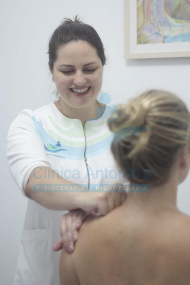 Liberação miofascial na dor do ombro