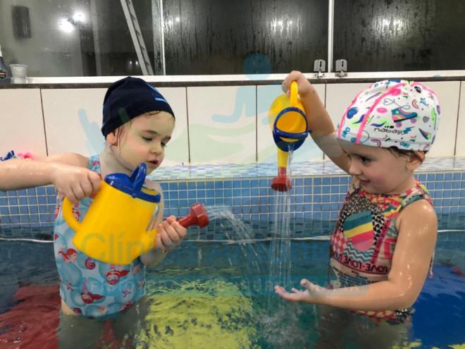 Natação, o melhor exercício para bebês e crianças